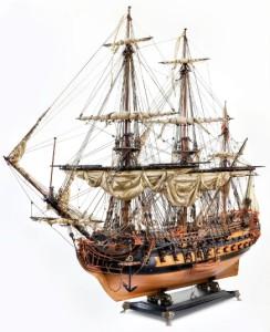 Миниатюрная модель парусника к статье судомоделизм. Boat 244x300