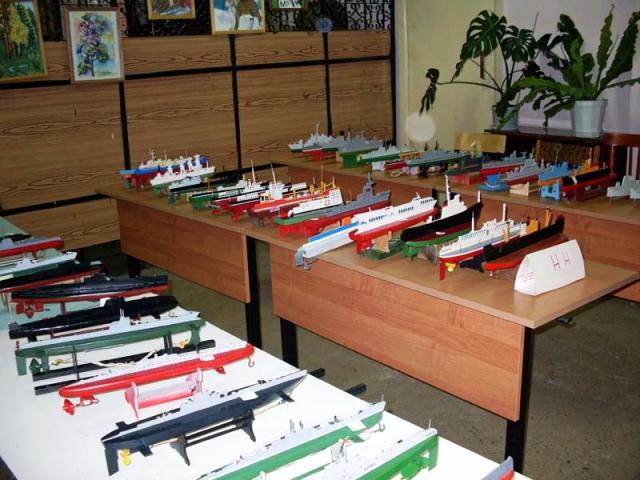 Выставка судомоделей в школе