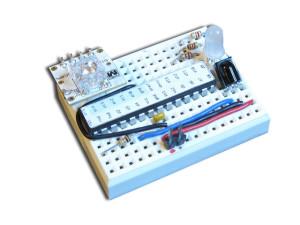 Вид наклейки на микроконтроллере Atmega в готовом проекте