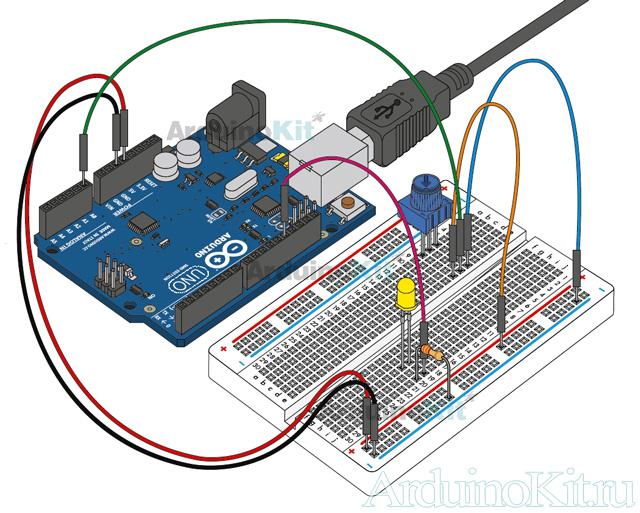 Вид собранного устройства к уроку №2 на макетной плате. Arduino и Потенциометр