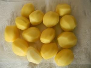 Картофелин примерно одинакового размера