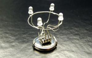 Дежурный режим, простая схема - Рождественский светильник на attiny13