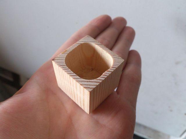 Кубик с высверленной полостью
