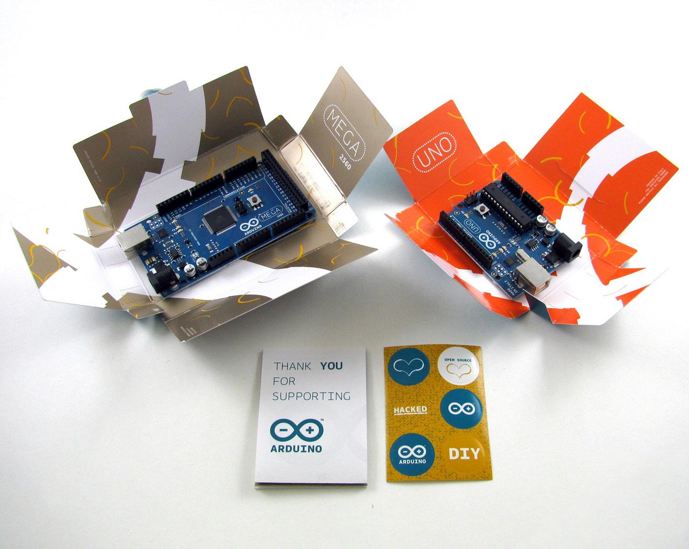 Платы Arduino в коробочках пришедшие из Италии. UNO и MEGA